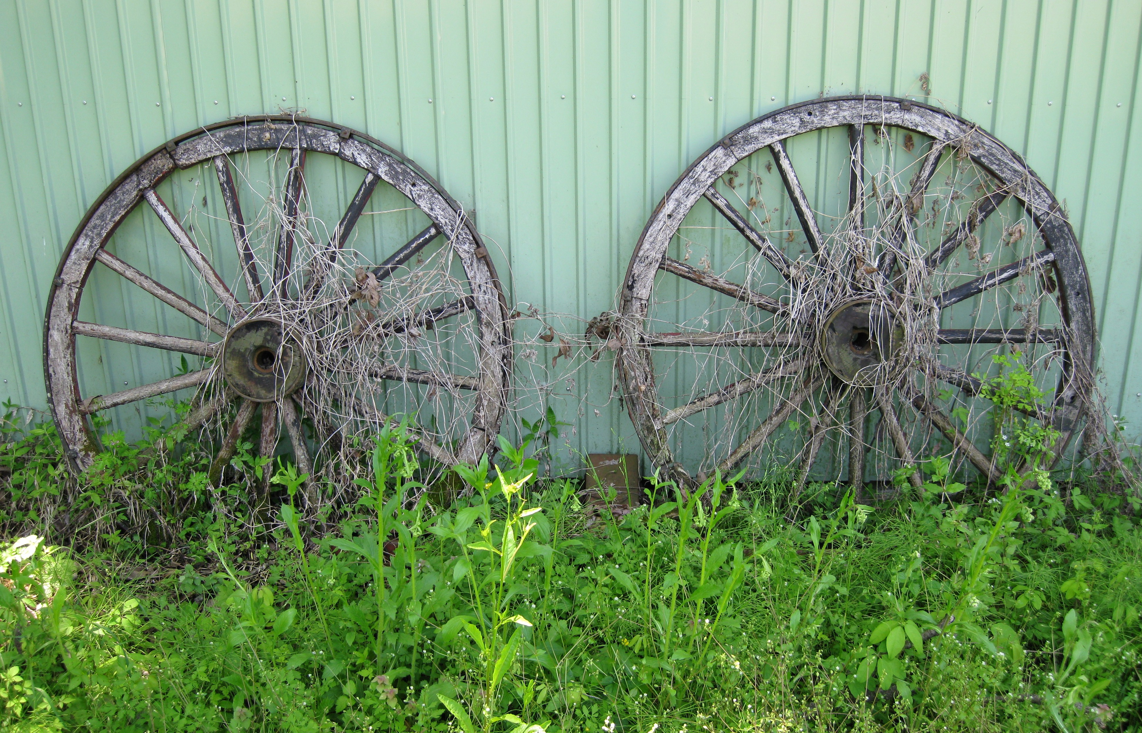 301 moved permanently for Things to do with old wagon wheels
